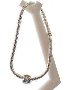 Groot gat style zilverkleurige snake armband 17,5cm