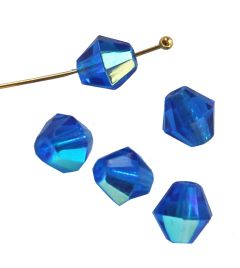Glaskraal bicone capri blauw 8mm met AB coating. Per zakje van 20 stuks.