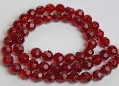 Snoer facetgeslepen ronde glaskraal diep donker rood,  8mm.
