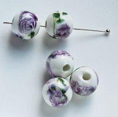 Keramiek kralen 10mm lila bloempjes. Per 5 stuks