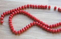 Glaskraal facetgeslepen rondel zacht koraal rood, 6x4mm. Per 40 stuks.