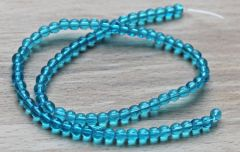 Snoer glaskraal rond licht blauw 4mm. Per snoer