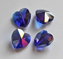 Glaskraal hartje 14x14x8mm donker blauw AB. Per stuk.
