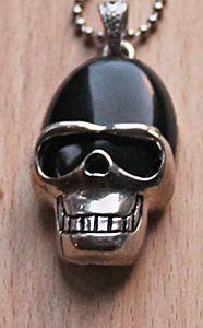 Halsketting Onyx Skull aan bolletjes ketting