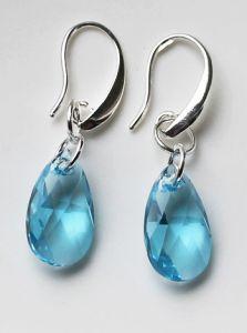 Oorbellen Swarovski Crystal Blue 16mm, silverplated oorhaakjes