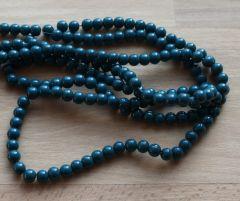 Glaskraal opaque Teal (groen-blauw) 8mm, per 50 stuks.