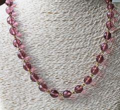 Ketting facetgeslepen lila kristal kralen 10mm. 51cm.