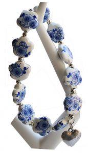 Armband delftsblauwe bloemkralen