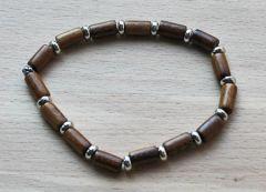 Armband houten kralen met zilverkleurige tussenkralen, 19cm
