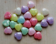Acryl pastel hartjes 11x12x5m. Per 20 stuks.