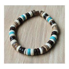 Armband cocoskralen met turkoois kleur kralen. 19-20cm.