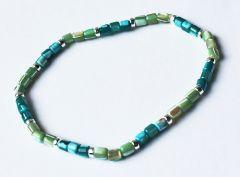 Armband blauw/groene schelpkraaltjes 18-19cm
