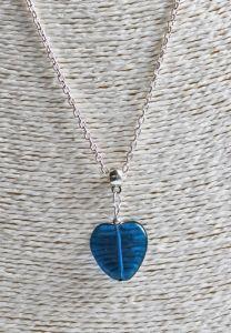 Halsketting met  blauw glazen hartje
