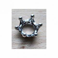 Metalen kraal Kroontje in zilverkleur. Per stuk.