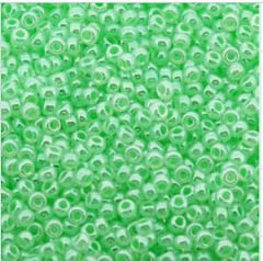 Rocailles 11/0 Miyuki Light green luster. 10 gram.