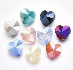 Glaskraal hartjes mix AB kleur 14x14x8mm. Per 10 stuks.