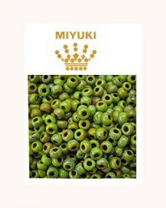 Rocailles 11/0 Miyuki opaque chartreuse picasso. Per 10 gram.