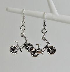Oorbellen met fietsjes
