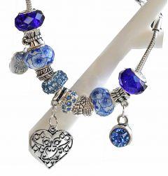Armband met blauwe Pandora style kralen en hangers