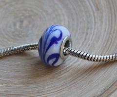 Pandora style kraal blauw met wit