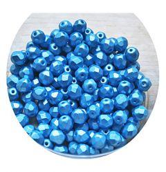 Glaskraal facetgeslepen 6mm pastel turkoois blauw, per 50 stuks.
