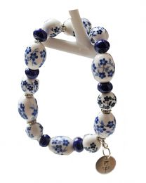 Armband 013, delftsblauwe bloem kralen met bedeltje