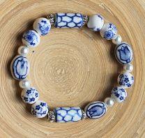 Armband delftsblauwe kralen met bloem en tulp, 015