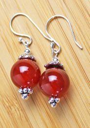 Oorbellen rode agaat 12mm, zilveren oorhaakjes
