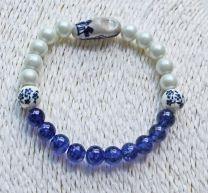 Armband blauw-wit met klompje en delftsblauwe kralen