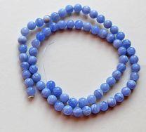 Kraal Agaat zachtblauw gestreept, 6mm. Per stuk