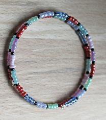 Spiraal armband kleurige 3mm rocaille kraaltjes