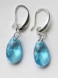 Oorbellen Swarovski Crystal Blue 16mm, silverplated oorhaakjes