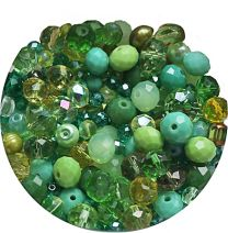 Zakje glaskralen mix groen, 3-8mm. 10 gram.