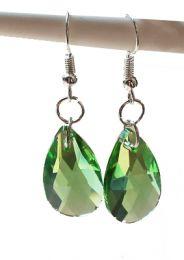 Oorbellen facetgeslepen glazen groene druppelhangers