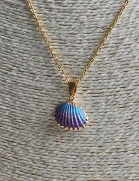 Ketting goudkleurig met lila-paars schelpje