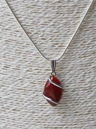 Ketting Agaat rode hanger aan verzilverde ketting