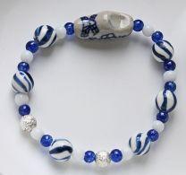 Kinderarmband blauw-wit met klompje
