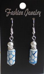 Oorbellen delftsblauwe lange kraal met pareltje en strasskraal