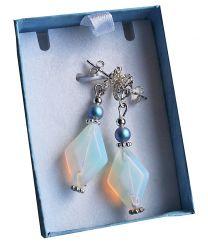Oorbellen Opaliet  ruit met sterling zilveren Bloem oorstekers, in cadeau doosje.