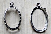 Kastje voor hanger of oorbellen, steen 13x18 ovaal. Per stuk.