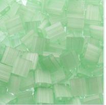 Miyuki Tila kraaltjes, silk pale green. Per 5 gram.